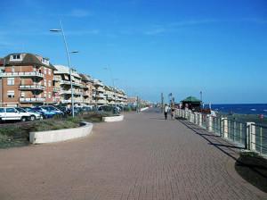 """L'opposizione occupa il decimo Municipio di Ostia, """"no"""" alle bancarelle lungomare"""