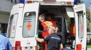 Ciclista 68 enne muore sul colpo travolto da un'auto pirata, inutili i soccorsi