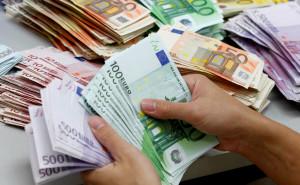 Trovati 36 mila euro in contanti nel confessionale di una chiesa, indagano i carabinieri