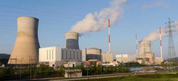 Esplosione in una centrale nucleare in Francia, interrotta l'attività di un reattore