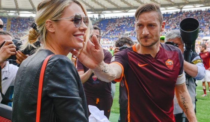 """Messaggio in diretta di Illary a Totti: """"Basta, ora ha finito di giocare. Ha fatto 40 anni"""""""