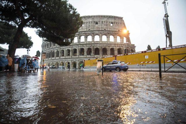 A Roma è allerta meteo, la comunicazione arriva dalla sala operativa della protezione civile