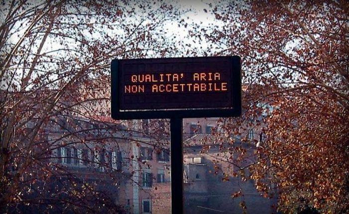 Smog a Roma, giornata di stop ai veicoli più inquinanti