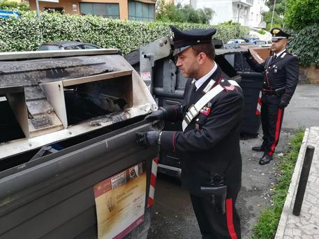 270 cassonetti bruciati in tutta Roma, Raggi: pensano di colpire l'amministrazione ma arrecano danno solo ai romani
