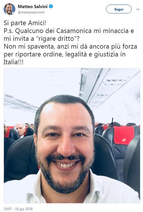 Mafia, visita di Salvini nella villa dei Casamonica: onorato di essere qui con il presidente Regione Lazio