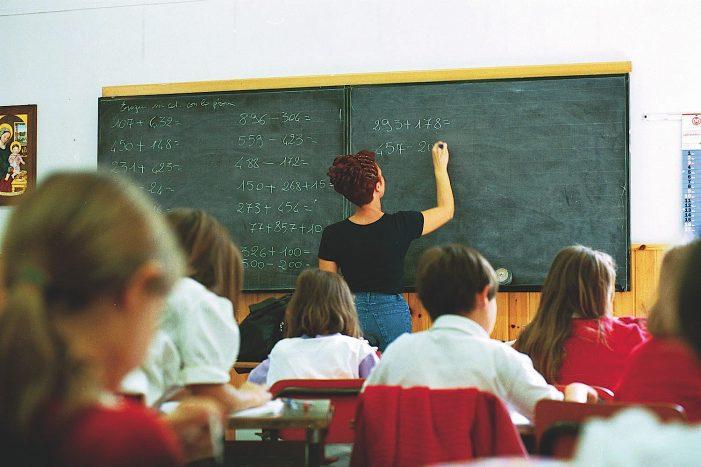 Scuola, Roma Capitale e Miur siglano protocollo d'intesa triennale contro evasione scolastica e povertà educativa