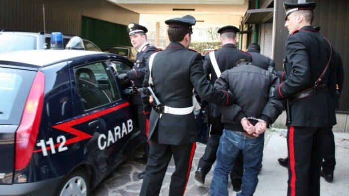 Smantellata a Roma una centrale di stoccaggio di sostanze stupefacenti. Arrestato in un blitz 40enne